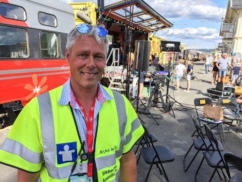 KOORDINATOR: Frode Kristiansen fra Kongsvinger passer på at alt går riktig for seg når Sommertoget ruller.