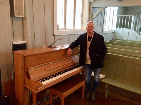 GIR TIL NYTT FLYGEL: - Vi gir selv 40.000 kroner og har sendt ut en rekke e-poster, sier Stig Holm, leder i Kongsvinger Kirkelig fellesråd. Han ber spesielt at byens næringsliv melder seg til et formål for alles beste.
