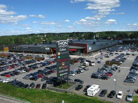 UTVIDER: Shoppingtilbudet i Charlottenberg utvider med burgersted og barneklesbutikk like ved shoppingsenteret.