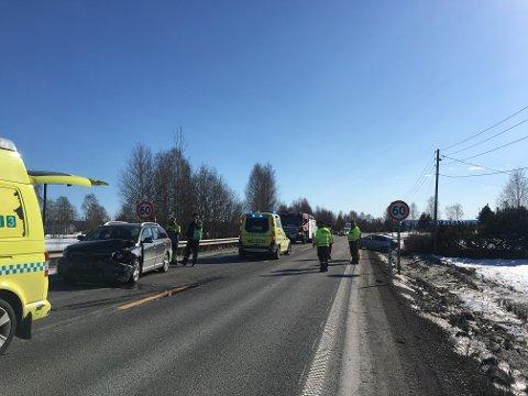 ULYKKE: To biler var involvert i en trafikkulykke nord for Kirkenær sentrum mandag ettermiddag.