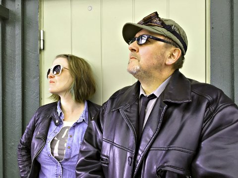 NY FORTELLING: Christina Ommestad og Denis Kamphaug i Mein Kampfhaug lanserer videoen «Tyskerunge».FOTO: ANITA KROK