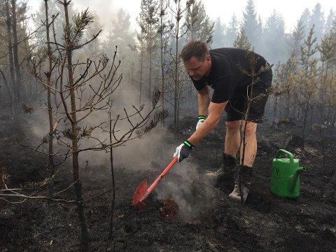 RIVILLIG: Simen Bredvold er  i sin andre skogbrann på under ei uke - som frivillig i skogbrannreserven.