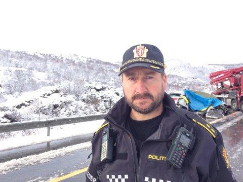Da GDs journalist snakket med politioverbetjent Vegard Grefstad klokken 15 var identiteten til de omkomne fortsatt ikke kjent.