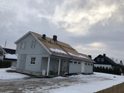 SUNDMOEN:  Huseier har ordnet opp i saken, og heretter er dette en enebolig - igjen. Eneboligen på Flisa ble omgjort til tomannsbolig uten at det er søkt om endringer slik plan- og bygningsloven krever.