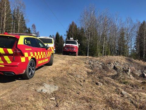RASKT PÅ PLASS: Brannmannskapene på Austmarka og brannbilen «Dolly» var raskt på stedet.