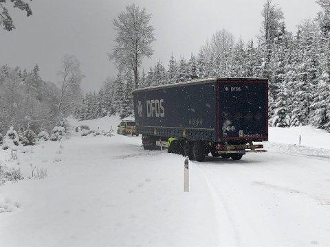 For at færre slike hendelser skal skje, er det nå blitt strengere regler for dekk for vogntog.
