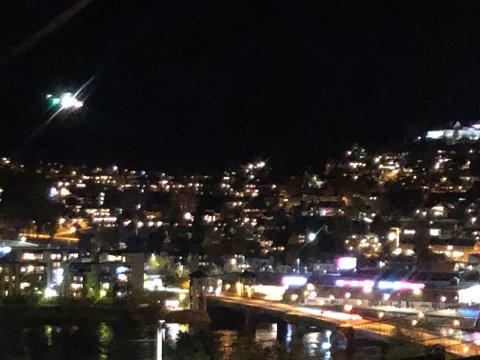 Helikopter over Kongsvinger sentrum onsdag kveld.