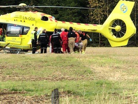 En person er fløyet til sykehus.