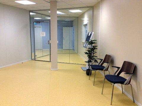 INGEN LØSNING ENNÅ: To fastlegestillinger ved dette kontoret er ledige, men veien til ansettelser har foreløpig vært tung.