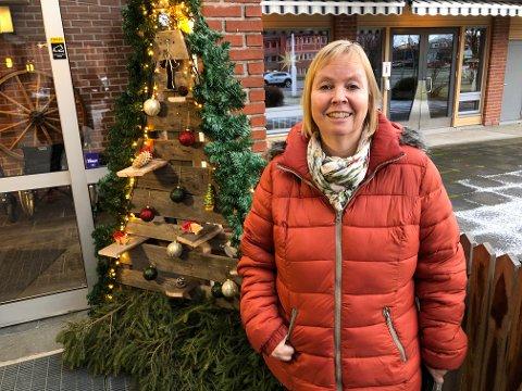 BEKYMRET: Anne-Mette Jensrud er bekymret over sikkerheten etter at hannes far, som har alzheimers, har kommet seg ut to ganger og vandret rundt på Flisa.