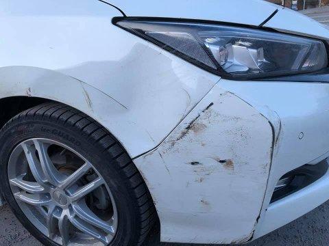 Bilen fikk både bulk og ble ripet opp.