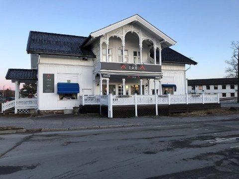 TAO RESTAURANT: Kinarestauranten på Skarnes ble stengt på dagen etter at Mattilsynet fant blant annet gammel, utgått kjøttdeig i sushidisken.