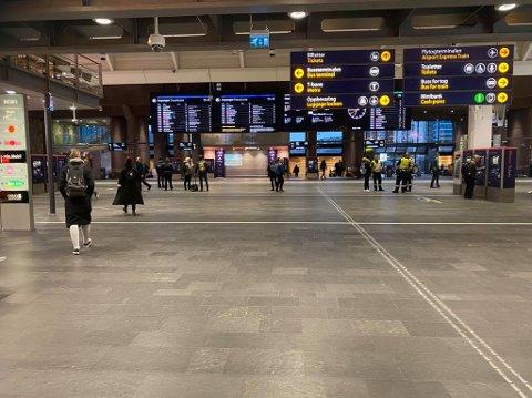 Ikke akkurat trengsel på Oslo S torsdag morgen.
