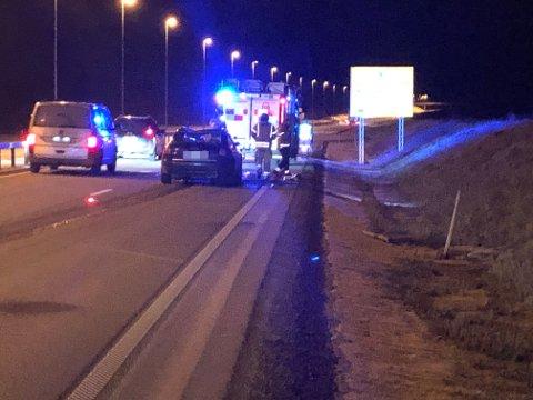 Ulykka skjedde i vestgående retning umiddelbart etter avkjørselen til Sander.