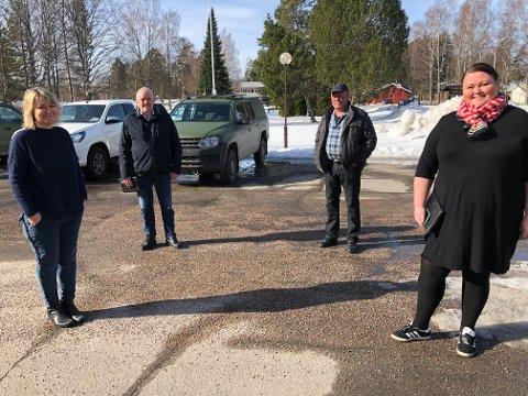 MER LIV I LEIREN: Elin Østeberg, Ivar Arnesen, Hans Robert Morønning og Kari Heggelund står sammen for mer liv på Haslemoen. Det siste året, med koronatesting og at HV har brukt leiren, viser at det er behov for liv der.