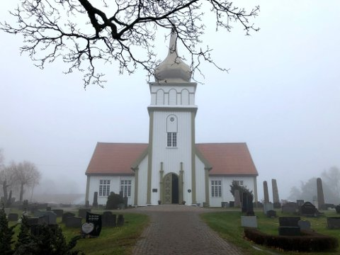 TENNE LYS: Det blir ingen gudstjenester i prostiet i påsken, men i Vinger kirke og andre kirker vil det bli holdt åpent på det klokkeslettet hvor det var planlagt gudstjenestetidspunkt.
