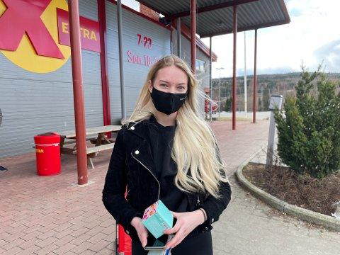 Victoria Falldalen var innom for å kjøpe muffinsformer til påskemuffinsene hun skulle lage.