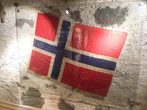 Flagget fra Kongsvinger festning våren 1940 - det ble tatt vare på før tyskerne inntok festningen, og fra 8. mai kan publikum se det på utstillingen i Festningsmuseet.