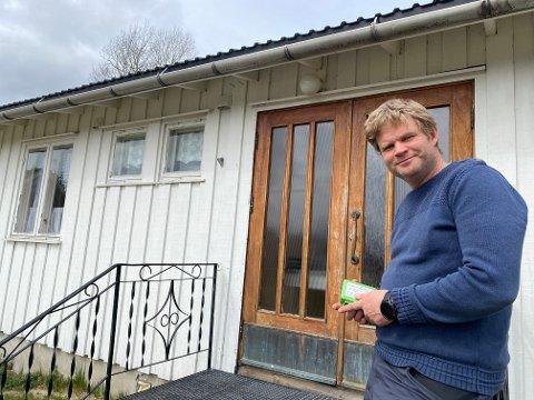 Det er viktig for Isak Hasselvold å skape flere arbeidsplasser på bygda. Nå bygger han tekno-selskapet videre med tre og forhåpentlig fem nye ansettelser.