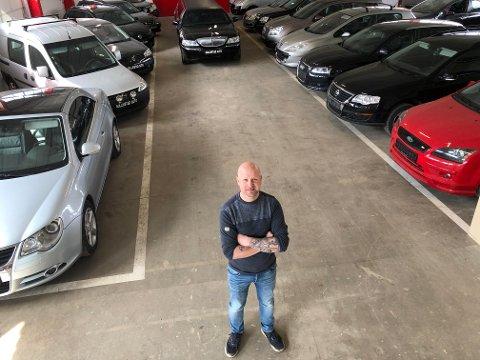 NY BEDRIFT: Geir Ove Gullikstad starter Gullikstad  Auto på Brandval, med blant annet utleie av limousin, kjøp, salg og kommisjon av bruktbiler.