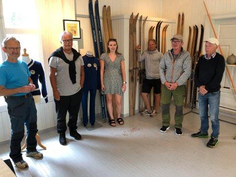 JUBILANT: Grue Finnskog IL er hundre år i år, og har laget en utstilling i Bedehuset i Svullrya. Fra venstre: Cato Rismoen, Jørn Skaslien, Ida S. Holen, Daniel Kulblik, Torbjørn Bekken og Tor Arne Holter.