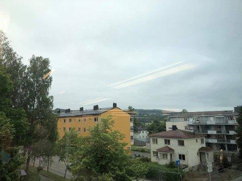 Grått: Slik så det ut i KOngsvinger sentrum ved 10-tiden mandag.