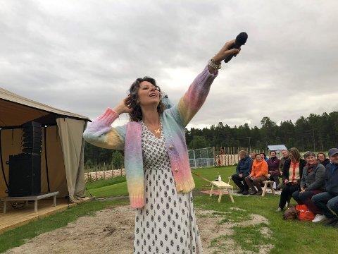 FØRSTE KONSERT: Trine Rein holdt den første konserten på Femund Lodge 26. juni. Snart er det klart for en ny konsert med en annen artist.
