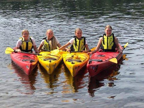 TOPP UKE: Ungene i Lealaus-uka i Våler melder om ei super uke. Fra venstre: Selma Olsrud Bråten, Kristine Amundsen, Julie Helgestad og Ane Hopteigen.
