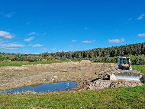 KABELTREKK: Ved denne sjøen skal Slåstad Vannski bygge kabeltrekk, og har nå fått 200.000 kroner i fra Sparebankstiftelsen.