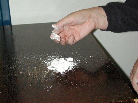 Politiet i Lillehammer opplyser at de sist onsdag beslagla noen hundre gram kokain i en lokal leilighet.