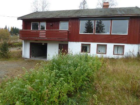 Huset: Her bodde Gerd Tordis Dyrud før hun kom under vergemål. Vergen har tømt huset for alt innhold; kunst, arvegods, møbler, kjøkkenutstyr, minner og annet av verdi.