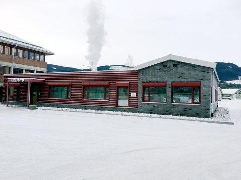 Det kommunale legesenteret i Gausdal, ferdigstilt før jul i 2015,  kostet langt mindre enn det Øyer har forpliktet seg å betale i husleie til Skarpsno Hafjell AS de kommende femten årene.