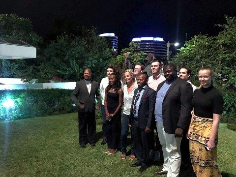 Bilateralt: Ingvild Kessel (til høyre) sammen med ungdomspolitikere fra Norge og Mosambik. Foto: Privat