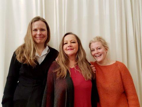 """FØRJUL PÅ OPERAGÅRDEN: Vertinne Gjertrud Elisabeth Strømme flankert av Lene Rosåsen Glamsland og Sigyn Fossnes i konsertprogrammet """"En stjerne klar""""."""