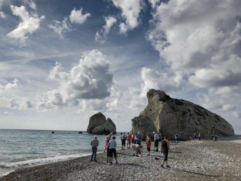 Vandrepause på stranden der Afrodite ifølge gresk mytologi ble født.