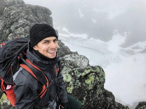 Et aldri så lite eventyr ble startet da Martin Amble Ruge startet i stillingen som innholdsprodusent for Nasjonalparkriket Reiseliv. I dag er de to som lager innhold fra de seks nasjonalparkene, Marius Nilsen ble ansatt i 2020.