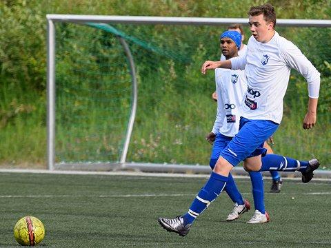Det svinger for Lomsguttene i 6. divisjon, men de scorer mange mål.