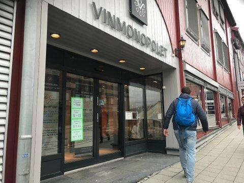 Det kommer som en overraskelse på flere at Vinmonopolet i Lillehammer er helt stengt denne uka.