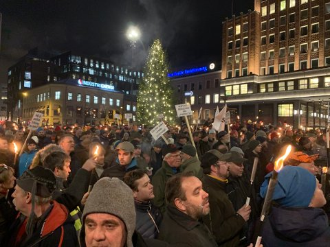 """""""Vedtaket ødelegger vår livskvalitet"""" og """"Nei til politisk tolkning av loven"""" står det på noen av disse plakatene fra tirsdagens demonstrasjon i Oslo."""
