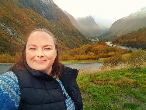 Siv Renate Riise lever med svulst på hjernen. Nå vil hun rette fokus mot lidelsen slik at det kan forskes mer og slik at flere kan få svar.