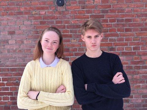 Kajsa Kirkhus (16) og Magnus Grundstad (17) fra elevrådet ved Lillehammer videregående skole, oppfordrer alle elever til å skulke for klimaet fredag.