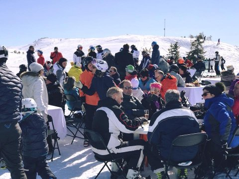 RESTAURANT: Påskeaften blir det igjen utendørs restaurant for én dag i toppen av Kvitfjell.