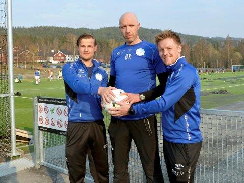 Bohemene fra Follebu har trent dobbelt så mye for å klare å beholde plassen i 4. divisjon. De har økt fra en til to treninger i uka - og noen har også kjørt egentrening. Fra venstre Bjønne Kleiven, Øystein Kvello og Magnus S. Løndal.