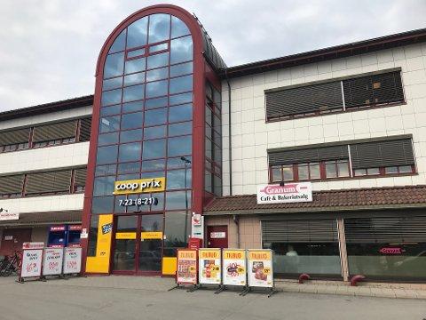 6. mai er det slutt for Post i butikk i disse lokalene. Nå må du til Rema 1000 Helleberg på Posten.