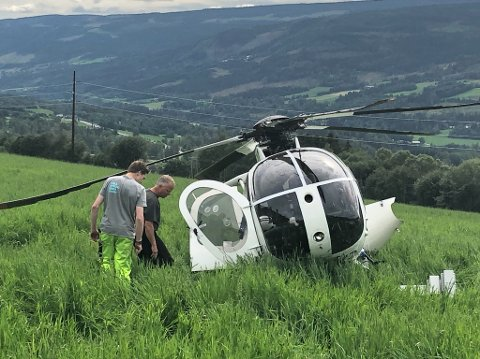 Gardbruker Kristian Fougner (t.h.) og Ebbe Stubberud Staum (17) fryktet for hvordan det hadde gått med personene i helikopteret.
