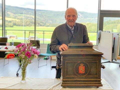 LANG OG TRO TJENESTE: Rolf Harald Rønning (91) har vært valgfunksjonær på Jorekstad siden syttitallet.
