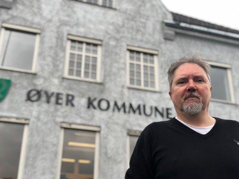 ELDREBØLGEN: - Vi er inne en voksende eldrebølge og det merkes også i etterspørselen etter utdannede sykepleiere, sier kommunalsjef Frode Fossbakken i Øyer.