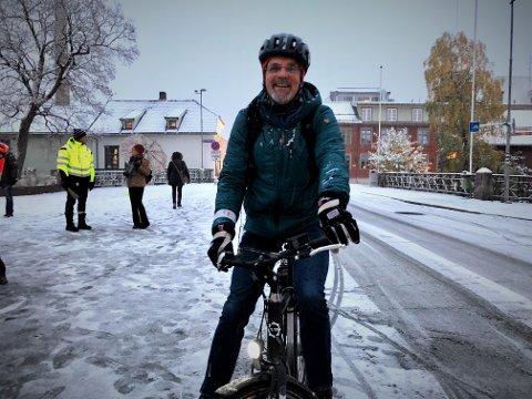 Kjell Joar Rognstad trassa slaps og holkeføre og sykla på arbeid.