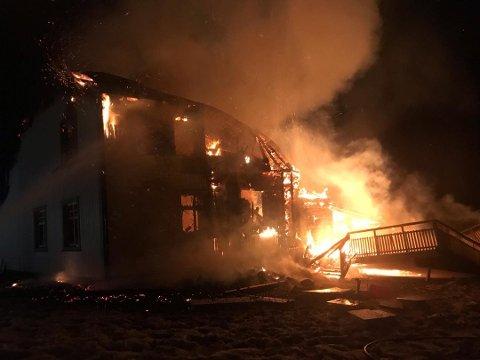 BRANN: Eneboligen på Rudshøgda brant ned til grunnen i januar.