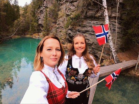 Anette Slåstuen Haug (t.v) og Hege Bredeveien fra Nord-Fron har laget en Instagramkonto hvor de vise frem hvor idyllisk Gudbrandsdalen kan være.